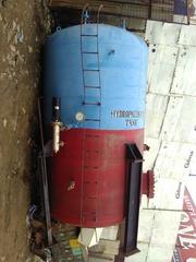 Hydroneumatic tank